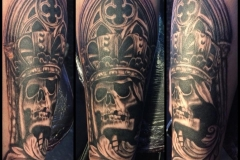 Greyscale skull with crown.